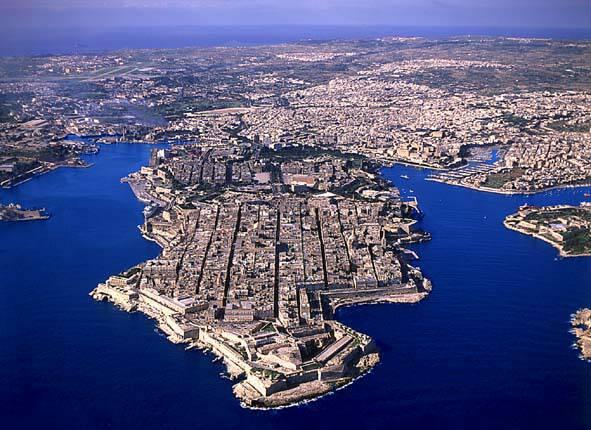 Malta-Valetta-far