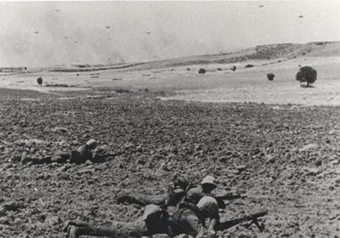 Εἶναι 20 Ἰουλίου 1974... ὁ χρόνος γιὰ τὴν Κύπρο ἔχει σταματήσει..2