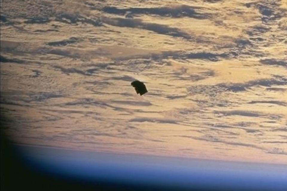 Τί γίνεται ὅταν ἡ NASA ...«ξεχνᾷ» νά ἐπεξεργασθῇ τίς φωτογραφίες;;2