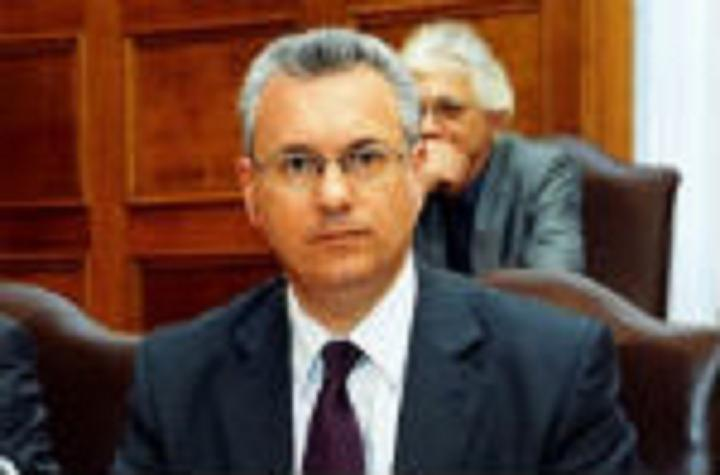 Ἐὰν ὁ πρωθυπουργὸς καὶ ἡ Siemens ἔχουν τὸν ἴδιον δικηγόρο, τότε....