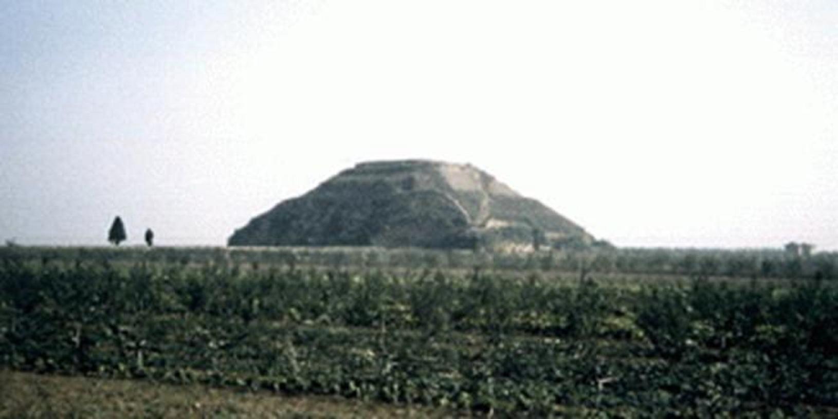 Οἱ πυραμίδες τοῦ πλανήτου μας.35