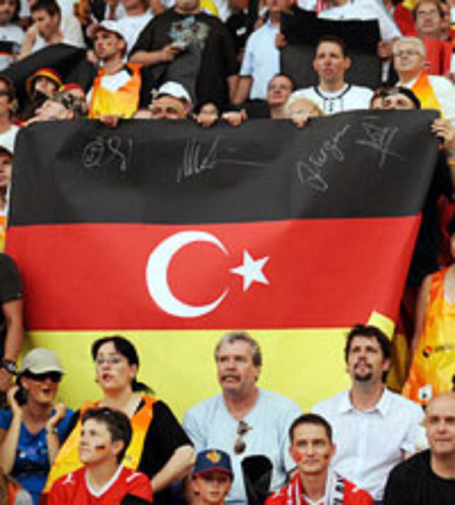 Οἱ Τοῦρκοι φόρτωσαν στὴν Γερμανία τοὺς τεμπέληδές τους!!!5