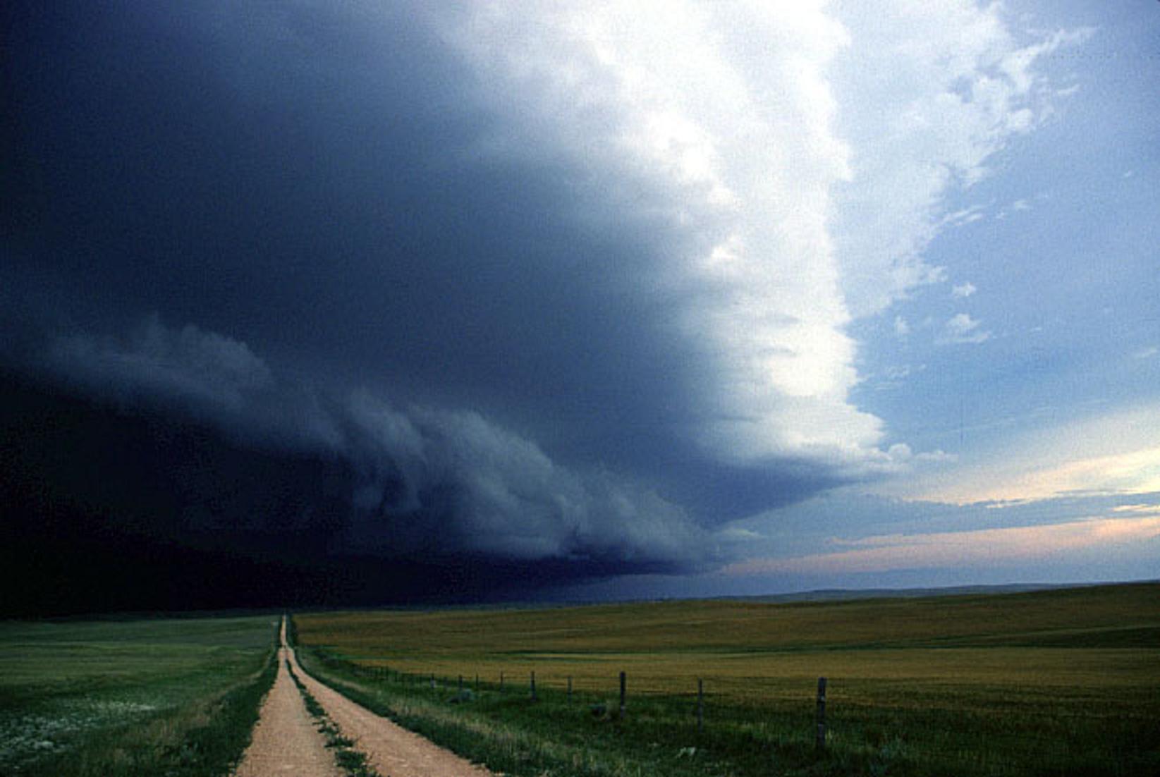 Οἱ χρήσιμες καταιγίδες...