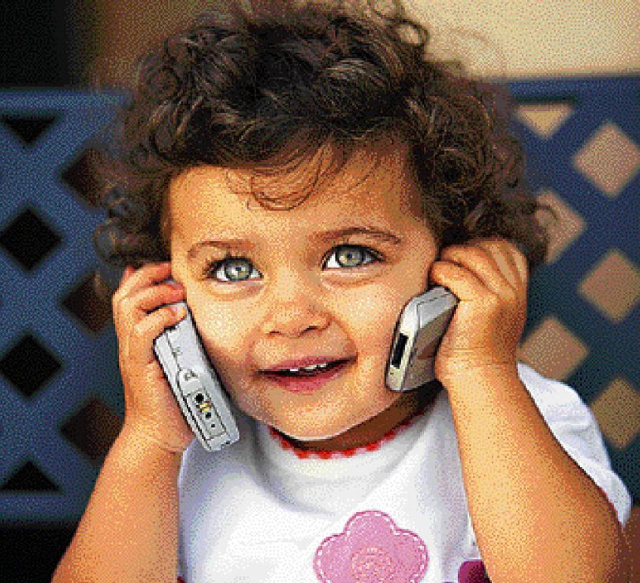 Οἱ ἰατροὶ καὶ οἱ πουτάνες χρειάζονται ἐπὶ 24ώρου κινητά...