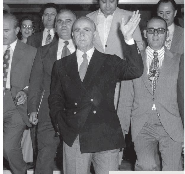 Πῶς ἡ CIA ἔκανε πρωθυπουργό τόν Καραμανλῆ;6