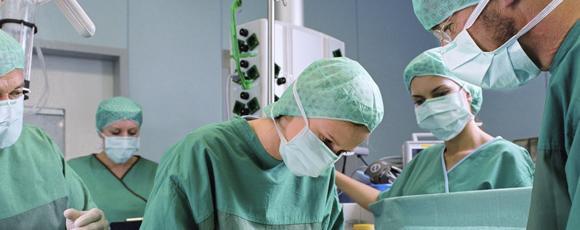 Σέ κωματώδη κατάστασι τά νοσοκομεῖα