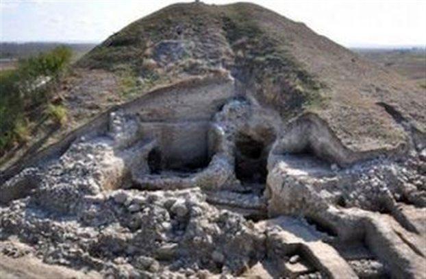 Στη φωτογραφία εικονίζεται μια κατοικία δύο δωματίων που βρισκόταν στην αρχαία πόλη