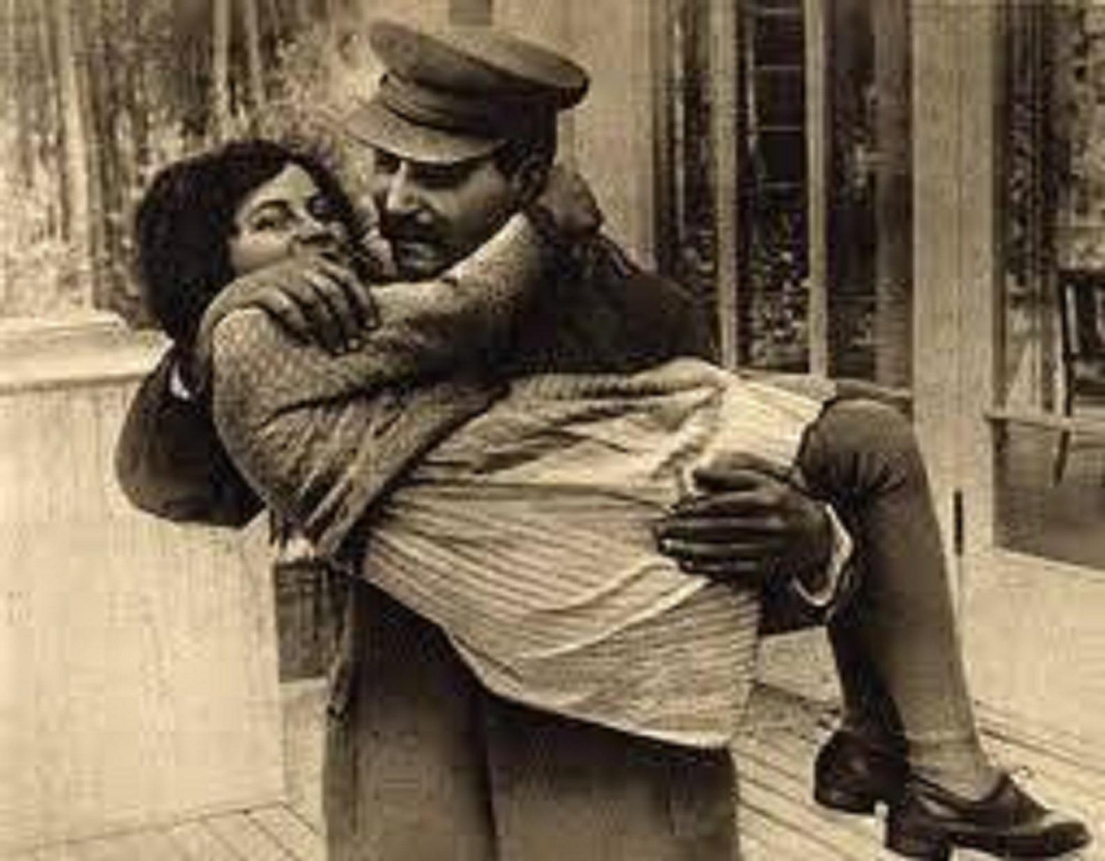 Εἶχε ἀπαρνηθῆ τὸν πατέρα της ἡ κόρη τοῦ Στάλιν.