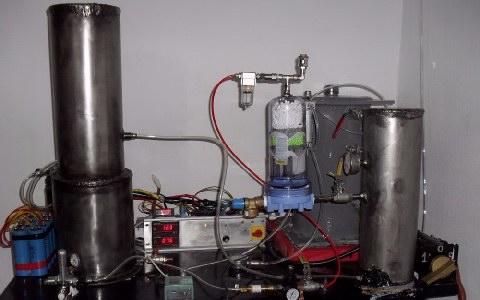 Οι Αυτοσχέδιοι αντιδραστήρες του 50χρονου ηλεκτρολόγου για την παραγωγή ενέργειας