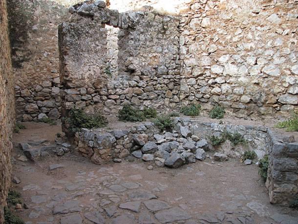 Τὸ μπουντρούμι τοῦ Κολοκοτρώνη δὲν εἶχε παράθυρο κι αὐλή.2