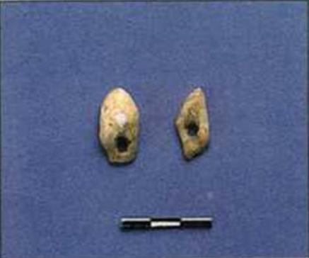 Κοσμήματα από τρυπημένα δόντια ελαφιών