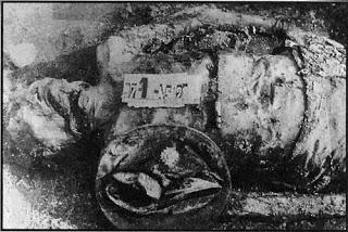 Ὅταν μᾶς δολοφονοῦσαν κατὰ χιλιάδες.27