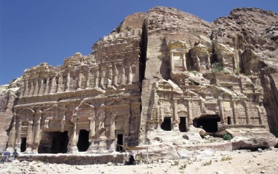 Κοινθιακός τάφος στην Πέτρα