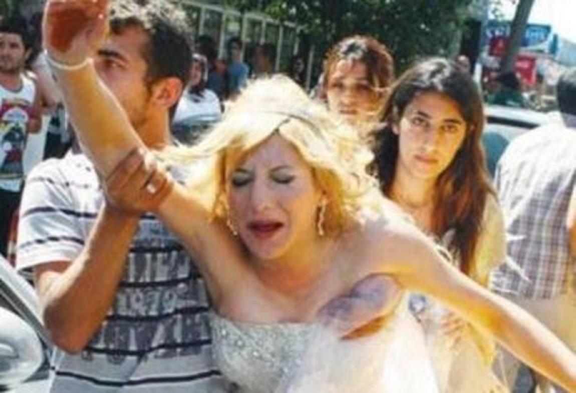 Ὅλα τοῦ γάμου δύσκολα καὶ ἡ νύφη ...ξυλοφορτωμένη!!!