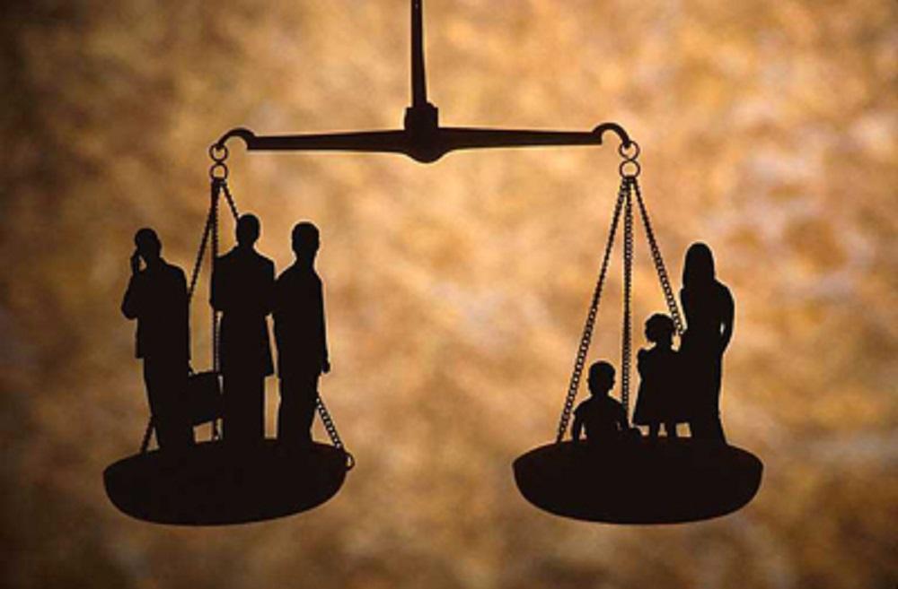 «Δὲν ὑπάρχει δρόμος γιὰ κοινωνικὴ δικαιοσύνη, ἡ κοινωνικὴ δικαιοσύνη εἶναι ὁ δρόμος».