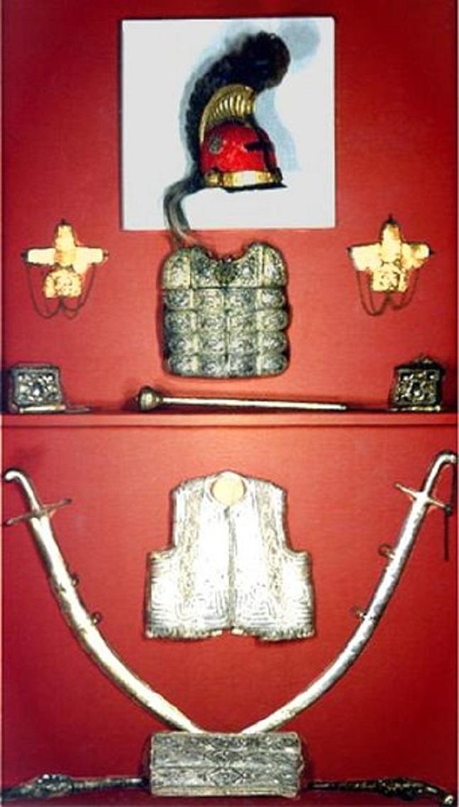 Τὰ ὅπλα καὶ ἡ περικεφαλαία τοῦ Κολοκοτρώνη (Ἐθνικὸ Ἱστορικὸ Μουσεῖο Ἀθηνῶν)