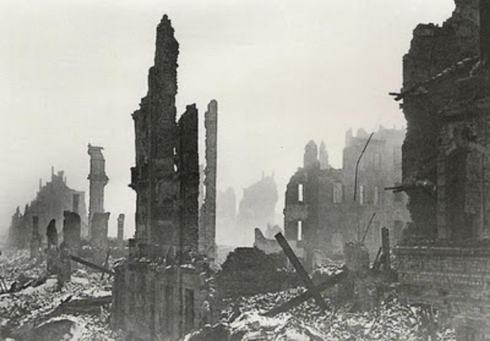 Ἐγκλήματα πολέμου τῶν Συμμάχων Ὁ βομβαρδισμὸς τῆς Δρέσδης.4