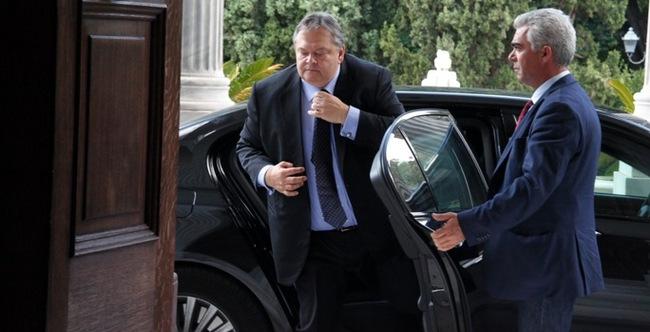 750.000 εύρώ κοστίζει τό αὐτοκίνητο τοῦ Μπένυ