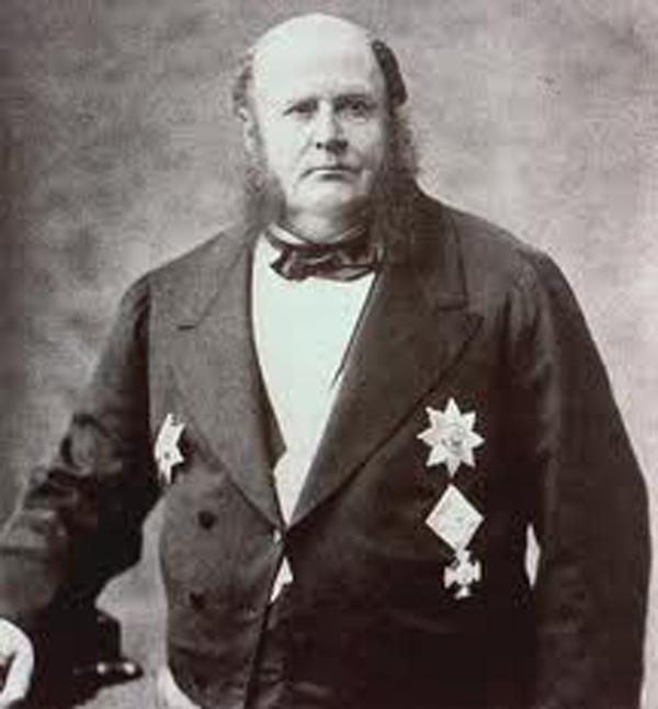 Ο τραπεζίτης Τζέημς Μάγιερ Ρότσιλντ...