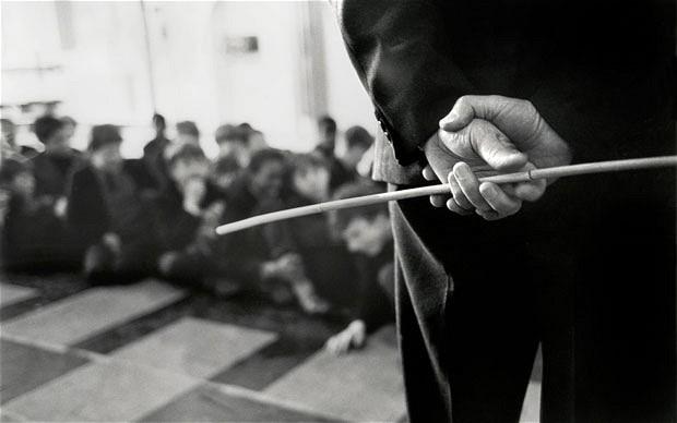 Ὑπουργὲ Γιάννη Πανούση,  τό πρόγραμμα κατά τοῦ ἐκφοβισμοῦ περιλαμβάνει καί τούς δασκάλους;