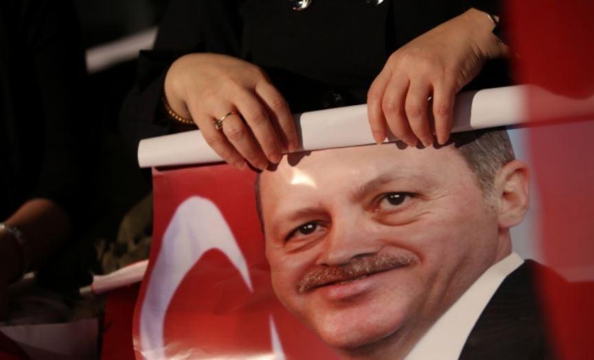 Νά ἑτοιμαζόμαστε νά ὑποδεχθοῦμε ΚΑΙ Τούρκους πρόσφυγες;