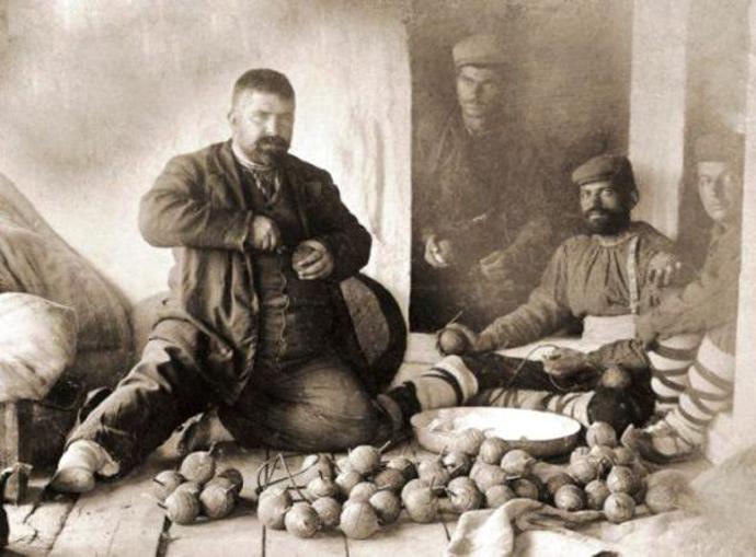 Βουλγαρικὴ προετοιμασία ἐκρηκτικῶν γιὰ τὴν ἐξέγερση.