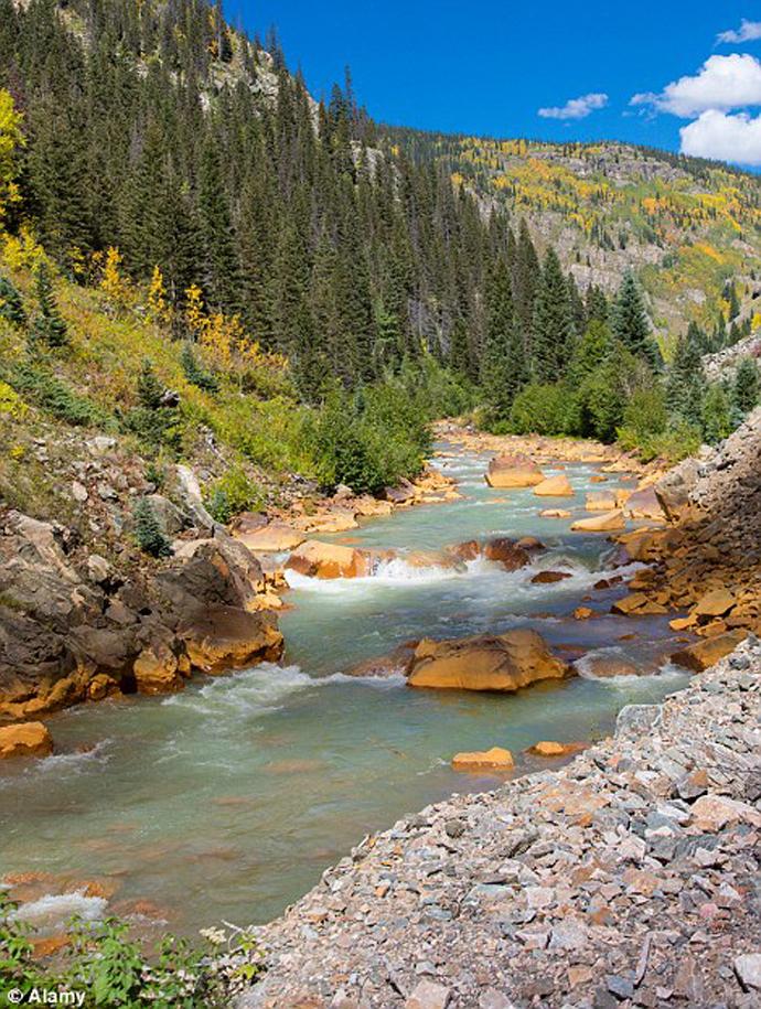 Ὁ κίτρινος (πλέον) ποταμός...3
