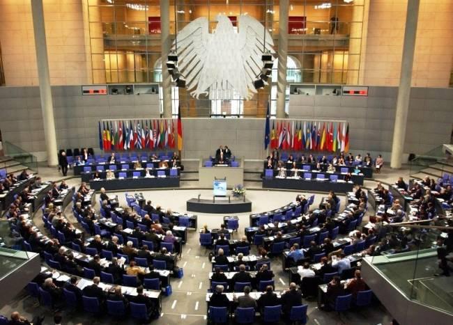 Ὁ ἀετὸς καὶ οἱ Ἕλληνες. Γερμανικὸν κΥνοβούλιον