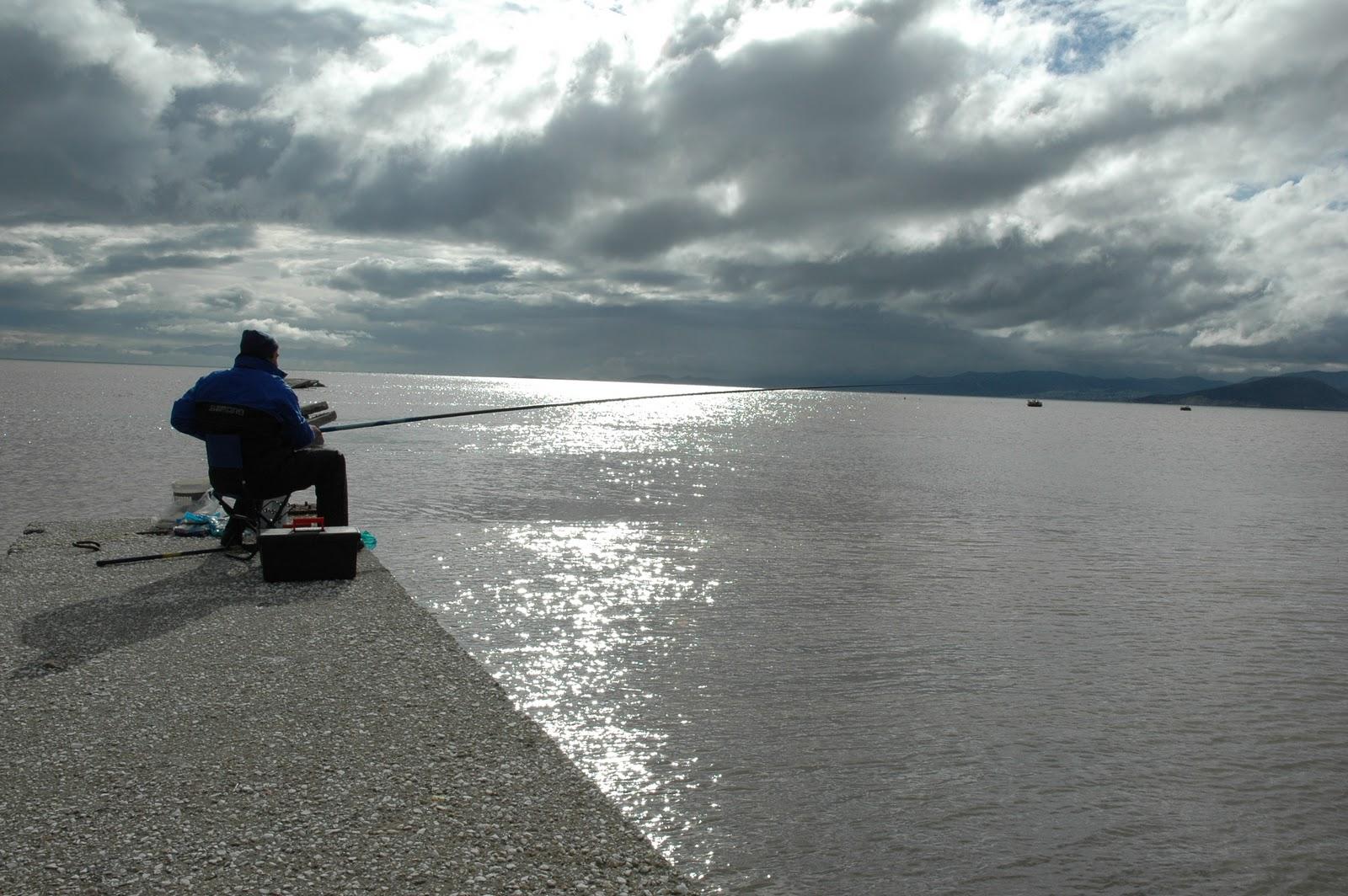 Ἐκλογές;;; Εὐκαιρία γιὰ ...ψάρεμα!!!
