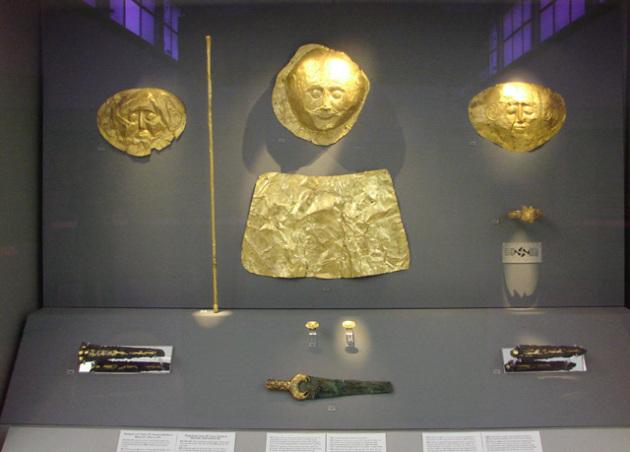 Ὁ λακκοειδὴς Τάφος IV1