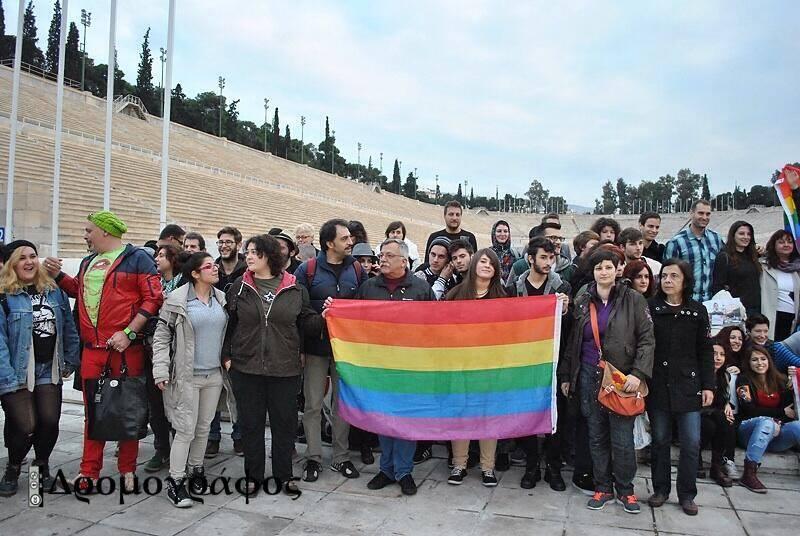 Διαδηλώσεις μὲ ...χορηγούς!!!4