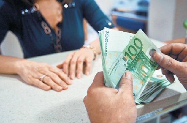 Γιατί ἀκόμη οἱ τράπεζες χρηματοδοτοῦν τήν ἀγορά αὐτοκινήτου;