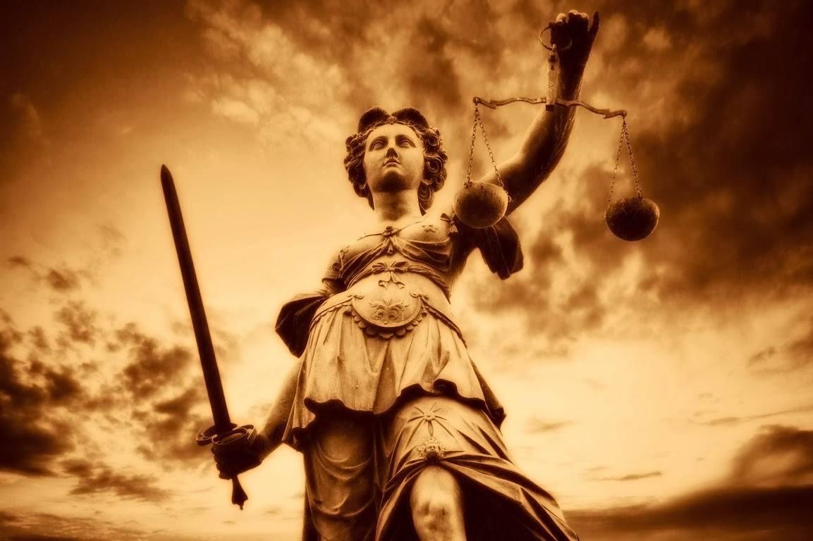 Δικτατορικῶν καθεστώτων δικαιοσύνη...