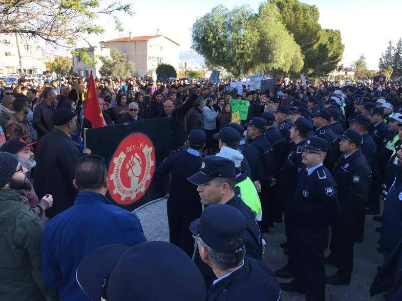 Ξεσηκώθηκαν οἱ Τουρκοκύπριοι γιὰ τὴν διαφορὰ ...ὥρας!!!1