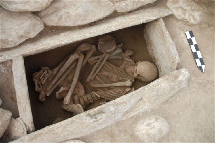 Ἀρχαιότητες ποὺ πᾶνε γιὰ ...πνίξιμο!3