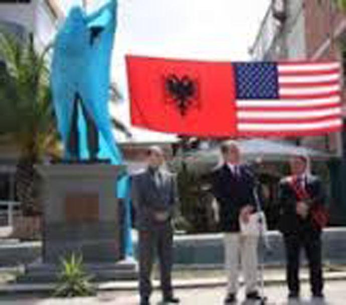 Ἡ μεγάλη Ἀλβανία τῶν Ῥοκφέλερ....