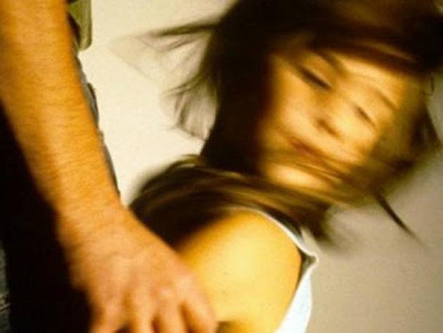 Αὐτό τό 15χρονο καρίτσι, ἐσύ τό γύμνωσες, ἐσύ τό βίασες, ἐσύ τό τσάκισες2