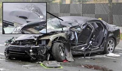 """το αυτοκίνητο του Χάιντερ μετά το """"ατύχημα"""""""