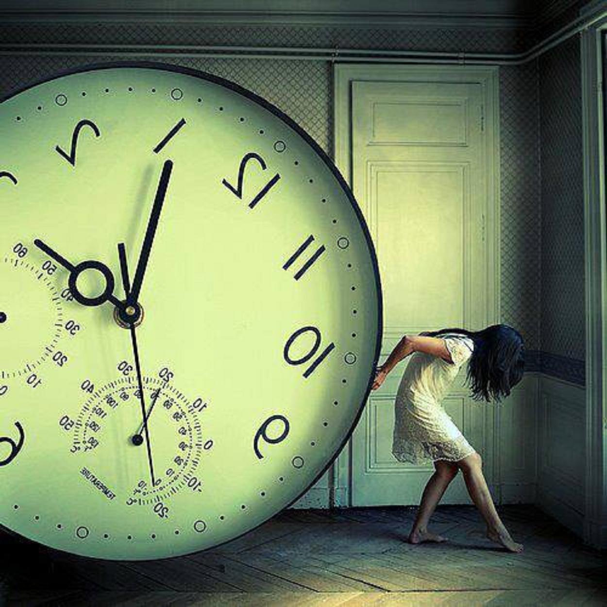 «Μὴν περιμένεις τὴν τέλεια στιγμή...»
