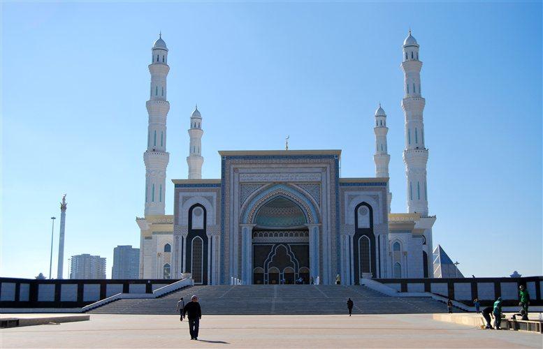 Το επιβλητικό τζαμί είναι από τα μεγαλύτερα στην κεντρική Ασία