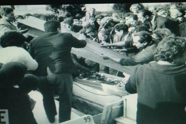 κηδεία θυμάτων ναυαγίου ὀχηματαγωγοῦ Ἡράκλειον