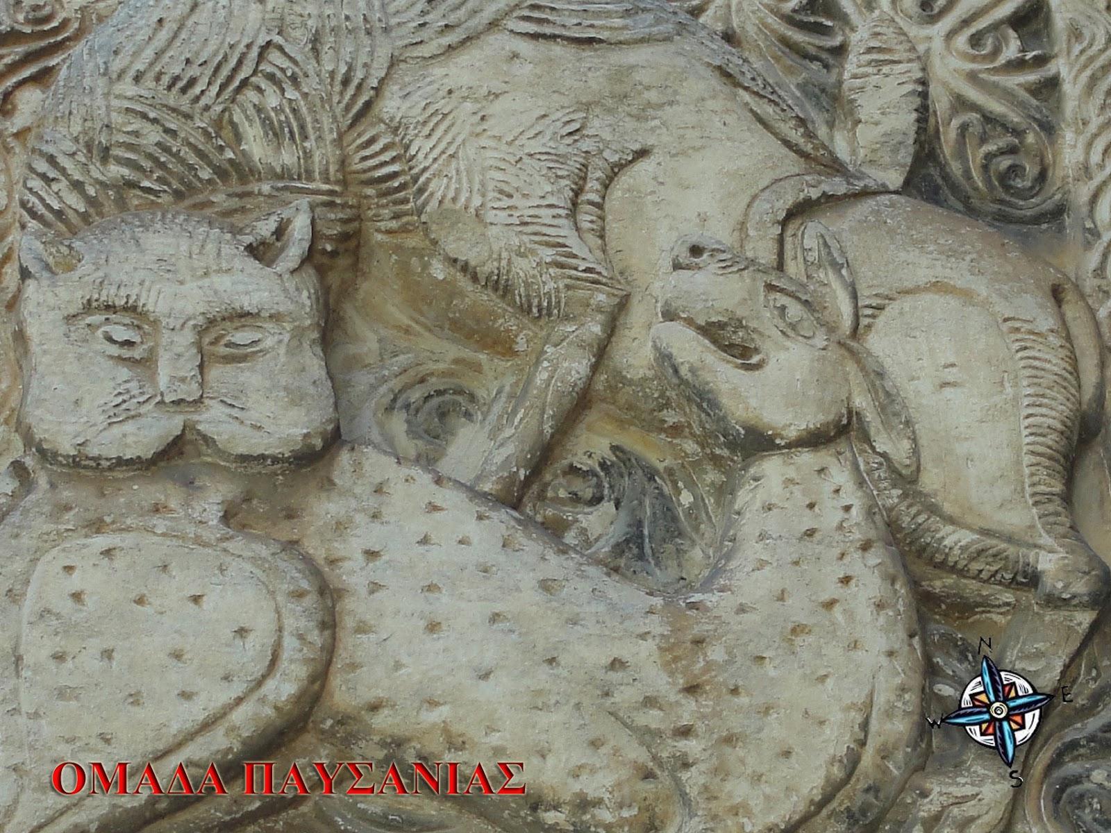Θωράκιο με λέοντα που κατασπαράσσει έλαφο (12ου αιώνα)