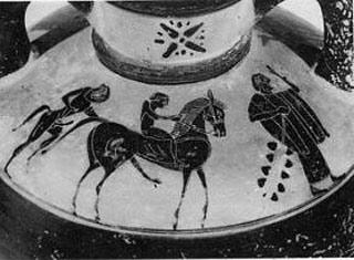 560 π.Χ.: Απεικόνιση της επιστροφής του Ηφαίστου σε αρχαίο Ελληνικό αμφορέα. Το σύμβολο του Ήλιου της Βεργίνας με 16 ακτίνες.
