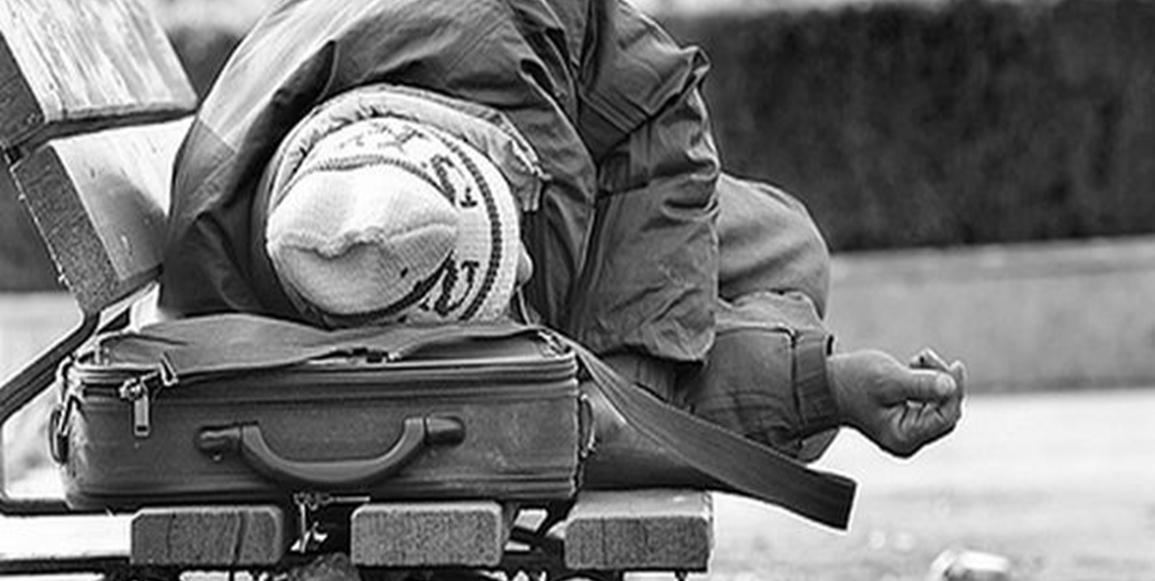 Άστεγος πέθανε από το κρύο σε παγκάκι στην κεντρική πλατεία των ΧανίωνἈπὸ τὴν μία ὁ Μπουταμίνης καὶ τώρα ὁ Σκουλάκης.