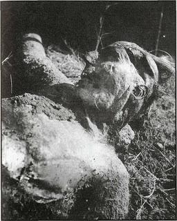Ὅταν μᾶς δολοφονοῦσαν κατὰ χιλιάδες.20