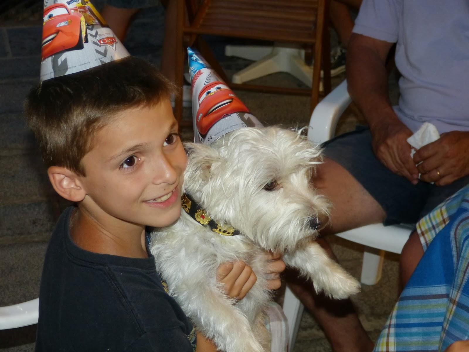 Απο τα γενέθλια του αδελφού του το καλοκαίρι στον καταρράκτη!!