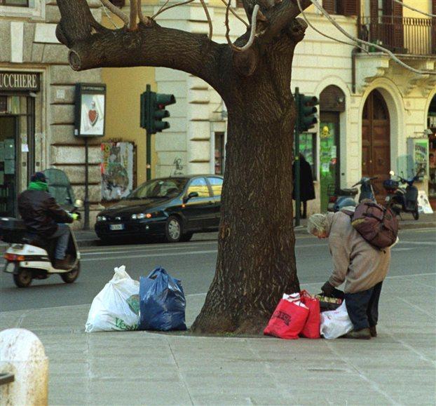 Κι _μως, _ φτώχεια _ξαπλώνεται παντο_... _κόμη κα_ στ_ν Γερμανία.