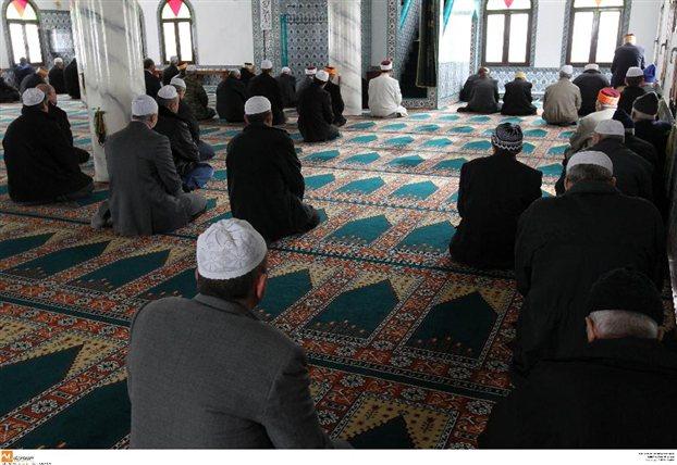 Νύχια δὲν ἔχουμε νὰ ξυστοῦμε, τὸ τέμενος μᾶς μάρανε!