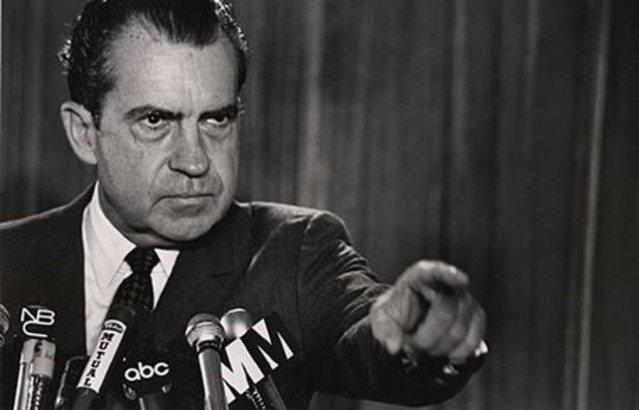 Ποιός ἔχει τόσην δύναμιν γιά νά ἀνατρέψῃ ἕναν πρόεδρο;