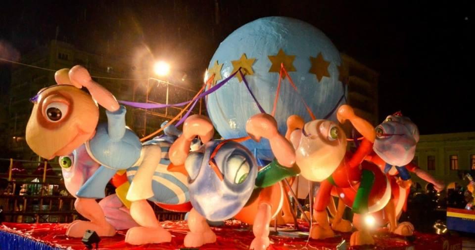 Καρναβάλι μὲ διασωληνωμένα μυρμήγκια στὸ ...αὐγὸ τοῦ φιδιοῦ!1